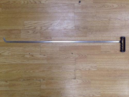 Крючок с наконечником-лезвием (длина 90 см, ширина 9 мм, толщина 5 мм, длина загиба 3,8 см, угол загиба 45º)